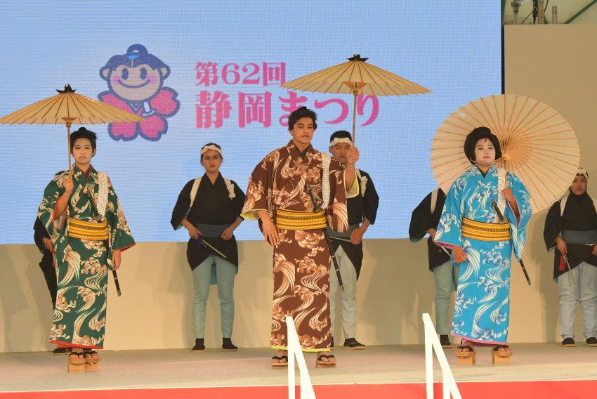 外国人歌舞伎「白波五人男」